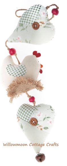 Heart and Chicken on nest wall hanging... £12.00, via Etsy.