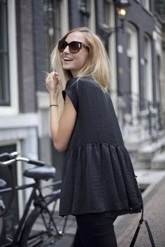 Attractive black street dress with pant Looks Street Style, Looks Style, Style Me, Black Style, City Style, Look Fashion, Autumn Fashion, Undone Look, Look Casual