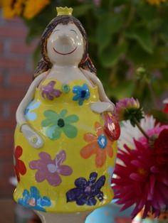 Gabi Winterl Keramik, aufwändig gestaltete Figuren aus Keramik: Prinzessin