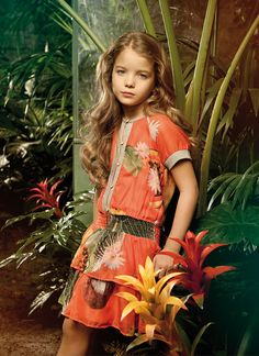 Romantic allure and blooming atmosphere on ALALOSHA featuring a FRACOMINA MINI adorable dresses. When you look at it you feel calmness and peacefulness! Dope Outfits, Outfits For Teens, Girl Outfits, Tween Fashion, Toddler Fashion, Fashion Children, Little Girl Dresses, Girls Dresses, Designer Kids Clothes