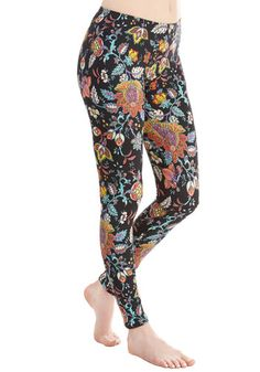 Oh So Vine! Leggings. Youll agree that these black printed leggings are a fabulously fetching addition to your wardrobe. #black #modcloth