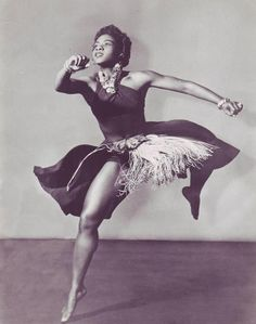 Pearl Primus was a dancer, choreographer and anthropologist: Dancer/choreographer Pearl Primus, born this day in 1919 (d. was a pioneer in melding African and modern dance techniques. Shall We Dance, Lets Dance, Modern Dance, Tango, Trinidad Und Tobago, Black Dancers, Hip Hop, African Dance, Dance Movement