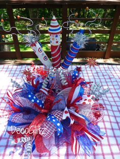 PATRIOTIC CENTERPIECE with FIREWORKS by decoglitz on Etsy Fourth Of July Decor, 4th Of July Party, July 4th, 4th Of July Wreath, Patriotic Party, Patriotic Crafts, July Crafts, Holiday Wreaths, Holiday Crafts