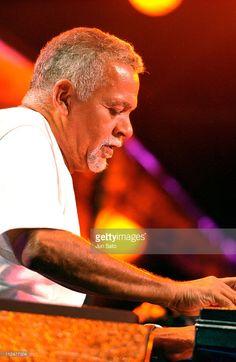 Musician Joe Sample Dies At 75 | Gardens, Comedians and Brown