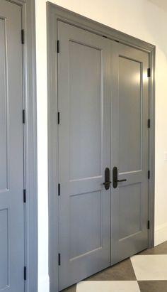 Choosing Interior Door Styles and Paint Colors: Trends - Interior door styles and colors. Informationen zu Choosing Interior Door Styles and Paint Colors: Tr - Grey Interior Doors, Interior Door Colors, Interior Door Styles, Grey Doors, Interior Trim, Wood Doors, Interior Paint, Entry Doors, Exterior Doors