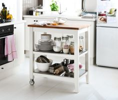 De STENSTORP roltafel geeft net dat beetje extra ruimte zonder dat je de keuken helemaal moet herinrichten. #IKEA