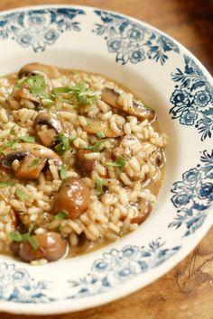 Heerlijke comfort food. Met een bordje warme risotto met kastanje champignons is 1 keer je dag weer helemaal goed.