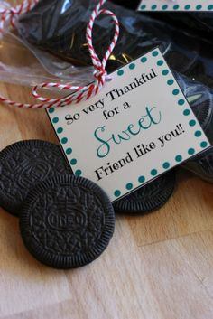 Thankful for Sweet Friends with free pritnable treat bags #OREOThinsAreIn #Ad