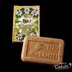 Ce savon artisanal 100 % végétal contient 30 % de Monoï Tiki Tahiti, et enrichi à l'huile de Tamanu 100 % naturelle, il est fabriqué par La Parfumerie Tiki.