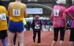 Esta mujer de 100 años batió el récord de los 100 metros planos