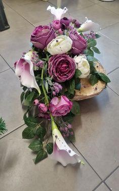 Grave Decorations, Flower Decorations, Funeral Flowers, Arte Floral, In Loving Memory, Ranunculus, Ikebana, Purple Wedding, Corsage