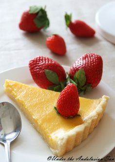 Orange curd tart with strawberries - simply delicious! And can be made gluten-free, too!