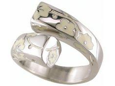 Bague Kenzo. Bijoux créateurs. En vente en boutique et sur notre site internet : http://www.bijouterie-influences.com/search.php?search_query=kyoto