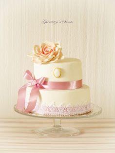 Ghemutza's Sweets: Tort Romantic Vintage Vanilla Cake, Wedding Cakes, Sweets, Romantic, Desserts, Vintage, Ideas, Food, Wedding Gown Cakes