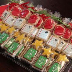 Ideas Cupcakes Decoration School Sugar Cookies For 2019 Fall Cookies, Mini Cookies, Iced Cookies, Cut Out Cookies, Cute Cookies, Royal Icing Cookies, Cupcake Cookies, Sugar Cookies, Kawaii Cookies