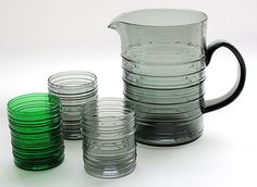 "KAJ FRANCK - Glass pitcher and tumblers ""Rustica"" for Nuutajärvi, in production Finland. Glass Design, Design Art, Alvar Aalto, Glass Pitchers, Retro Art, Mid Century Design, Ceramic Pottery, Finland, Modern Contemporary"