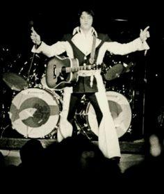 1975 8 19 MS, Las Vegas Penguin (Two Toned Street) Suit