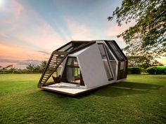 Things You Should Know About Small Mobile Home Design Home is a location where your life together with your loved ones. Sharing a house is gaining in popularity. To start with, you can buy a mobile home with a couple of stories. A mobile home. Tiny House Mobile, Small Mobile Homes, Micro House, Tiny House Plans, Tiny House Design, Design Homes, Prefab Homes, Green Building, House Building