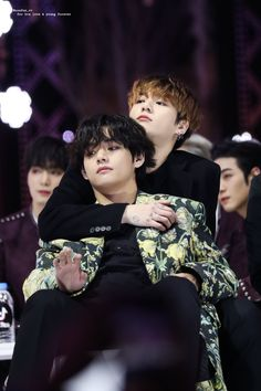 Jungkook is lonely untill the university student Kim Taehyung started… Bts Taehyung, Bts Jimin, Bts Bangtan Boy, Bts Boys, Namjoon, Taekook, Vkook Memes, Bts Memes, Yoonmin