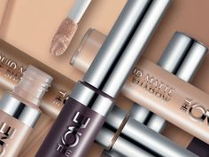 A matt finish can leave the skin looking dull and lifeless, but do not worry, Oriflame has the solution! These products do not take away your light and your shine! 1. Define the eyelids Start by applying a velvety matte eye shadow to enhan...