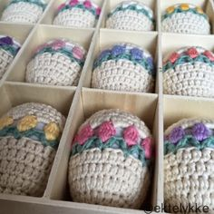Ravelry: Tulip Easter Egg pattern by Torill H. Holiday Crochet, Crochet Gifts, Crochet Yarn, Crochet Toys, Crochet Baskets, Free Crochet, Easter Egg Pattern, Easter Crochet Patterns, Crochet Baby Boots