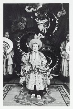 Empress-Mère Hoang Thi Cuc, spouse of emperor Khai Dinh of Vietnam, she worn Bao Dai, 1919-23.