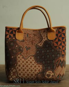 Sri 1 Solo Sogan Sekar Jagad ( Tas Kulit Batik )by Karyatasku