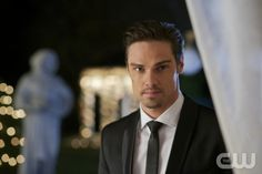 """Beauty and The Beast (CW) Episode 9 """"Bridesmaid Up"""" 