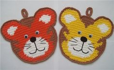 Today I've got a crochet teddy Chat Crochet, Crochet Teddy, Crochet Baby, Free Crochet, Crochet Hot Pads, Crochet Towel, Crochet Potholder Patterns, Crochet Motifs, Knitting Patterns