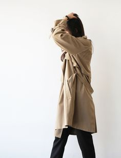#beauty #style #fashion #woman #clothes #outfi #wearable #winter #fall #autumn #brown #long #coat #black #pants