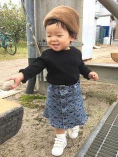 お久しぶりです♡ リブTにデニスカ♡ 保育園では履けないスカートを履きたくなる💕 娘も元気になって