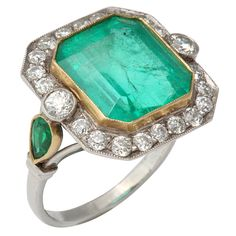 Art déco emerald and diamond ring