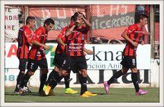 Festejo de Carreras tras el 3er gol del encuentro frente a Unión de Mar del Plata en la 8ª fecha