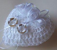 Wedding Ring Cushion, Wedding Pillows, Cushion Ring, Ring Bearer Pillows, Ring Pillows, Crochet Crafts, Crochet Projects, Crochet Rings, Ring Holder Wedding