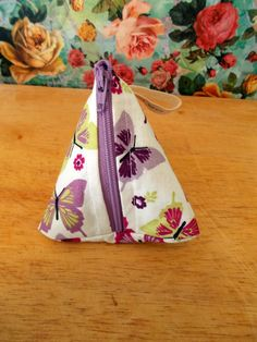 Check out this item in my Etsy shop https://www.etsy.com/uk/listing/269703705/lilac-butterfly-coin-purse-pyramid-coin