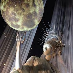 provocative-planet-pics-please.tumblr.com #Christmas #selfridges #christmaswindows #oxfordstreet #London #lovethisbuilding #stargazer #planets #universe #stars #thestarsatnight @theofficialselfridges by whatkimlovesmore https://instagram.com/p/-UTftWPirU/