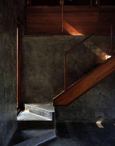 Image 24 of 26 from gallery of Belavali House / Studio Mumbai. Photograph by Studio Mumbai Estudio Mumbai, Architecture Design, Installation Architecture, Futuristic Architecture, Escalier Design, Home Design, Interior Design, Design Art, Design Blogs