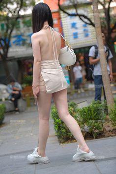 【街拍之魂赛帖】调皮少女-魔镜原创摄影-魔镜街拍_魔镜原创_原创街拍_高清街拍_街拍美女_搭讪美女_紧身美女_遇到最好的街拍摄影作品! Cute Concert Outfits, Sexy, Sporty, Asian, Leggings, Suits, Style, Outfits, Long Johns