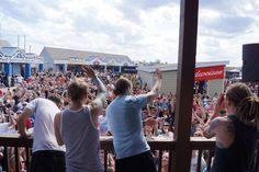 Twitter / Shinedown_Fans: @Shinedown photo from 105.7 ...