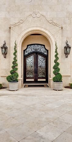 58 Ideas Front Door Design Grand Entrance Spanish Style For 2019 Mediterranean Homes, House Design, Tuscan House, Mediterranean Style Homes, Exterior Design, Front Door Design, Mediterranean Decor, Door Design, House Exterior