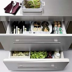 Oh yeah!  Been hoping to find something like this while perusing Pinterest!  57 Practical Kitchen Drawer Organization Ideas | Shelterness