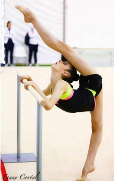 Rhythmic Gymnastics Training, Gymnastics Flexibility, Gymnastics Poses, Gymnastics Photography, Gymnastics Pictures, Sport Gymnastics, Flexibility Workout, Dance Photography, Gymnastics Equipment For Home