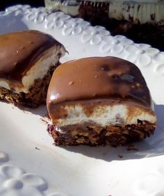 Greek Sweets, Greek Desserts, Pudding Desserts, Easy Cake Recipes, Sweets Recipes, Low Calorie Cake, Chocolate Sweets, Chocolate Art, Macaron Recipe