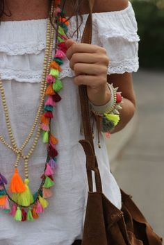 bead necklace street style
