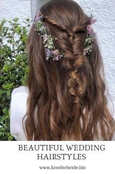 These gorgeous half up Half Down Wedding Hairstyles are just perfect for the bride and the bridesmaids hair. This bridal hairstyle is so versatile and flowers can be added to accessorise. #weddinghairstyle #bridalhairideas #halfuphalfdownweddinghair Short Bridal Hair, Half Up Wedding Hair, Wedding Hairstyles Half Up Half Down, Diy Wedding Hair, Bridal Hair Vine, Boho Wedding, Short Hair, Medium Hair Styles, Curly Hair Styles