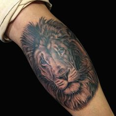 black n grey lion by Paulo Da Butcher @ Impact Custom Tattoo Portugal