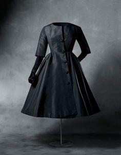 Balenciaga Dress Coat © 2013 Cristóbal Balenciaga Museoa