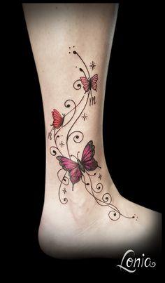 Tatouage Lonia tatouage papillon étoile rose Lettre d& .- tatouage Lonia tatouage papillon Pink Star Femme Lettre d& - # menstribalTattoo Rose Vine Tattoos, Star Foot Tattoos, Leg Tattoos, Flower Tattoos, Body Art Tattoos, Garter Tattoos, Rosary Tattoos, Bracelet Tattoos, Tattoos For Women Flowers