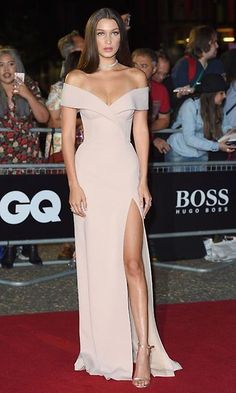 Bella Hadid arrives for the GQ Men Of The Year Awards 2016 at Tate Modern on September 6 2016 in London England Elegant Dresses, Pretty Dresses, Beautiful Dresses, Formal Dresses, Gala Dresses, Dream Dress, Strapless Dress Formal, Split Prom Dresses, Dress Prom