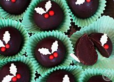 Christmas Coffee Truffles made with the help of the Thermapen 4 Digital Thermometer are the perfect thoughtful Christmas gift and taste out of this world! Christmas Coffee, Christmas Chocolate, Best Chocolate, How To Make Chocolate, Chocolate Fudge, Christmas No Bake Treats, Christmas Truffles, Chocolate Festival, Slow Cooker Apples